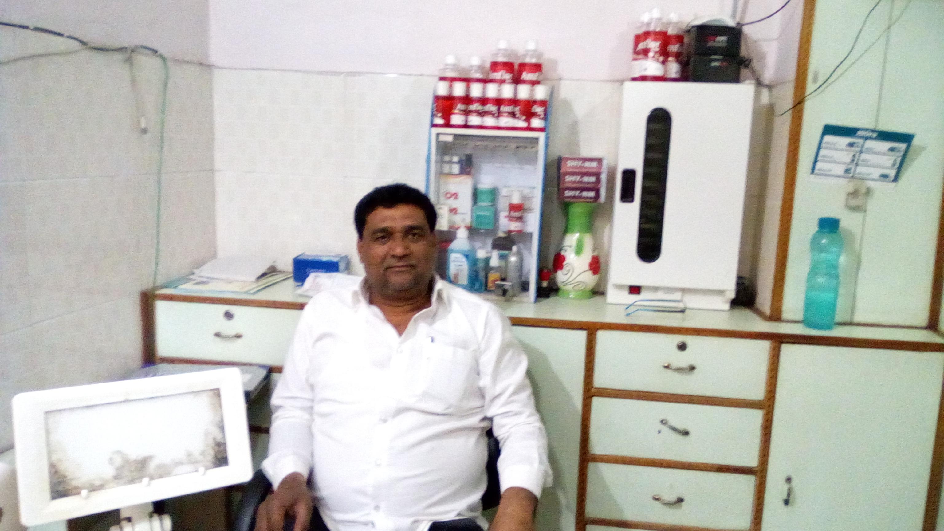 Dr. A. Khan